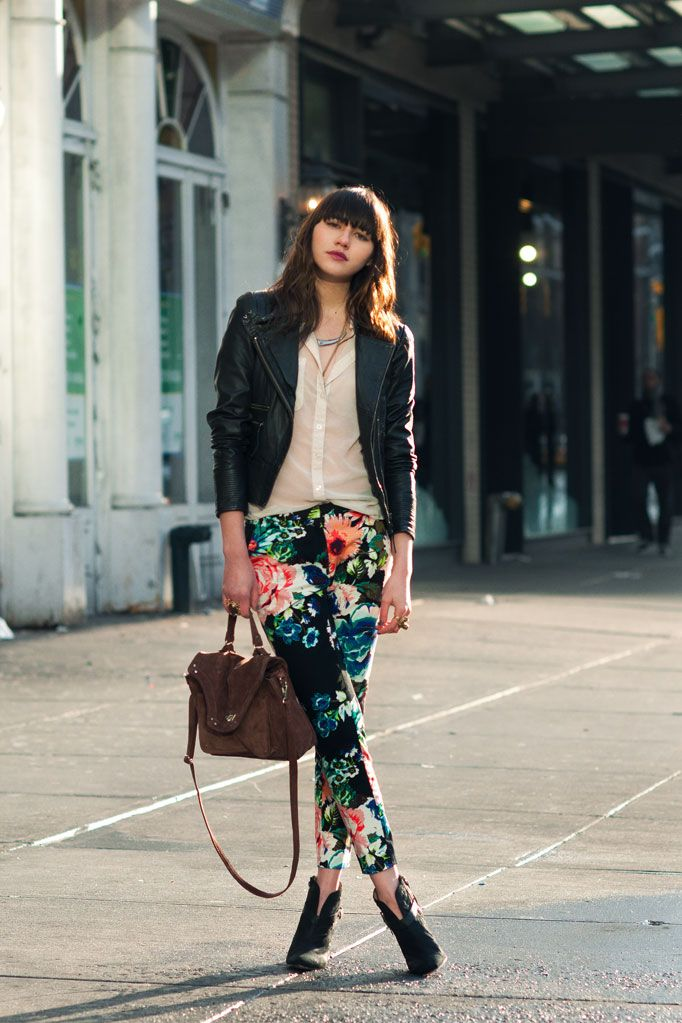 How to Wear Floral Pants and Look Glamorous and Chic