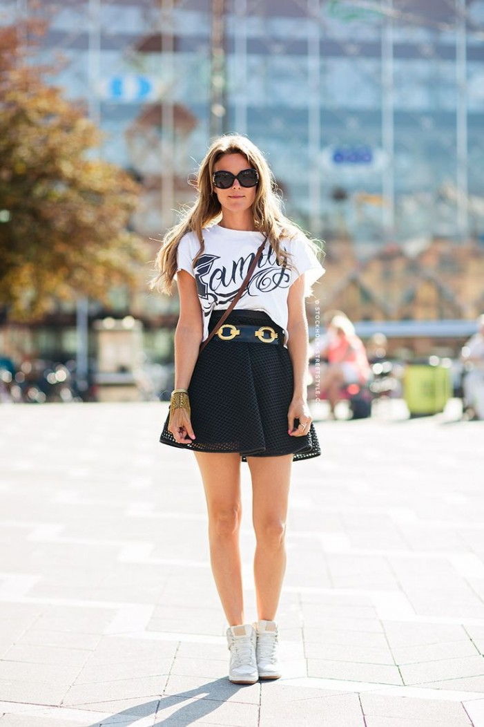 What To Wear With a Mini Skirt