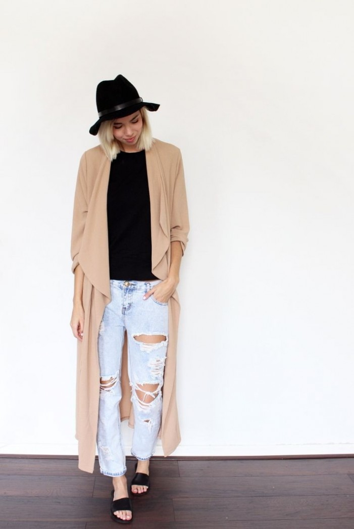 20 Comfy Outfits For A Cold Summer Day