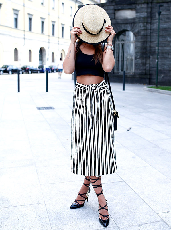 Black Outfit Inspiration - Chic Street Style