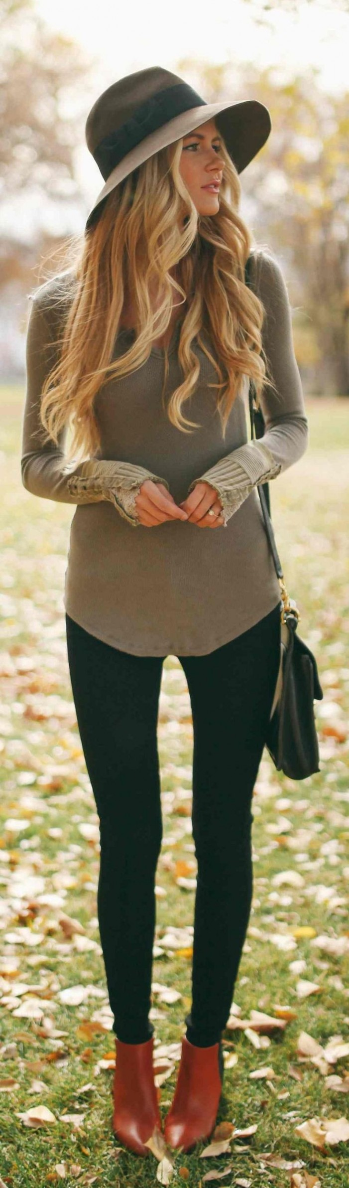 23 Tops to Wear With Leggings This Fall