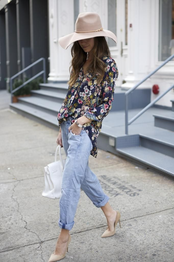8ee7c60618d 10 Ways to Wear Boyfriend Jeans 2019