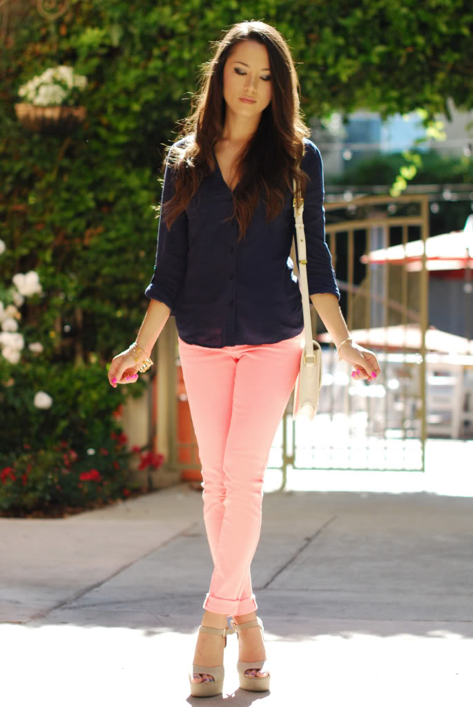 12 Ways to Wear Colored Jeans 2020