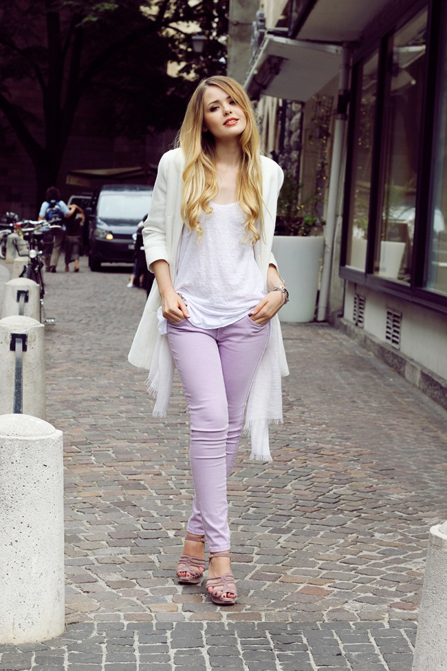 12 Ways to Wear Colored Jeans 2021