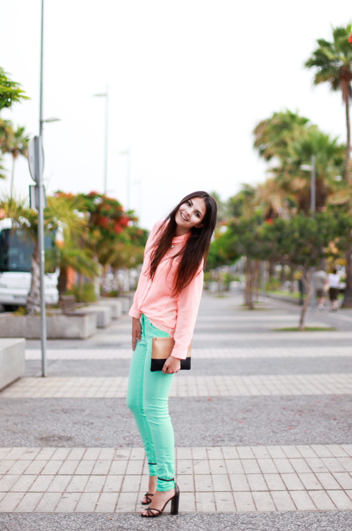 12 Ways to Wear Colored Jeans