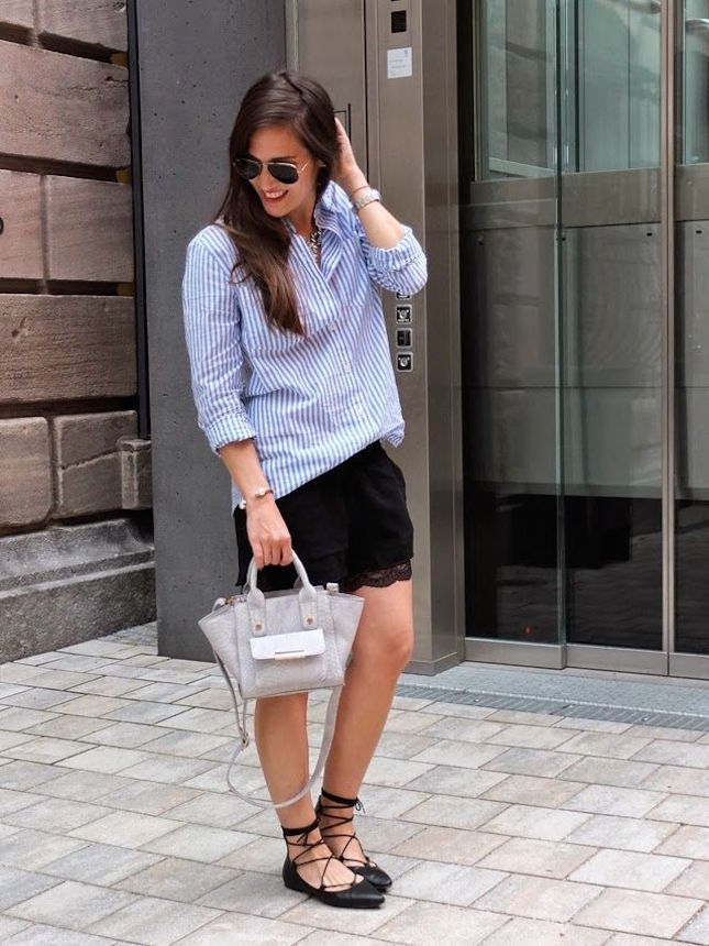 How to Wear Lace-Up Blouses and Shoes
