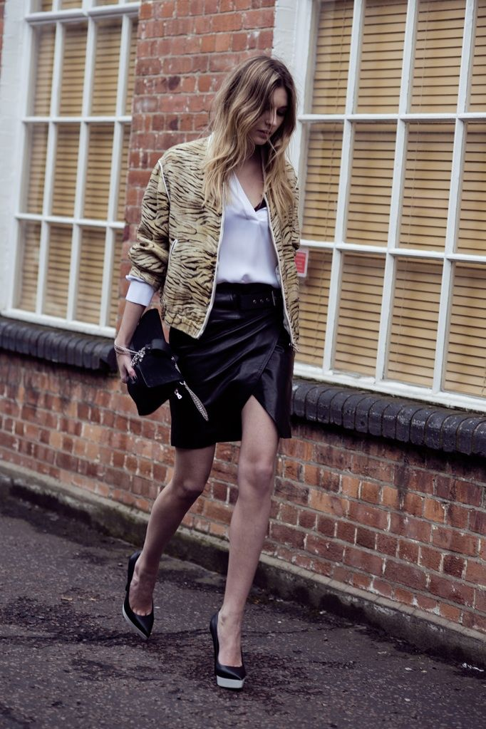 10 Ways To Wear a Leather Skirt 2020