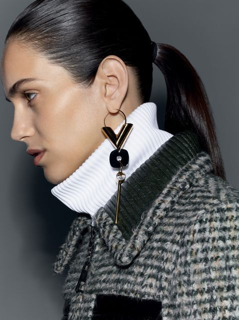 Ladies Jewellery: One Earring Trend 2019