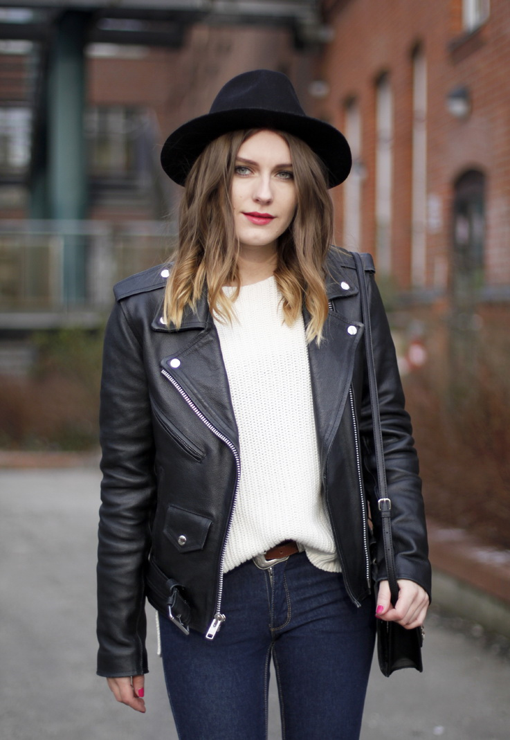 52 Ways To Wear a Leather Jackets 2018 | Become Chic