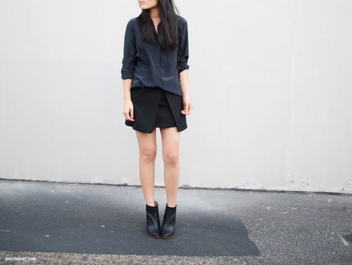 Best Ways To Wear Mini Black Architectural Skirts