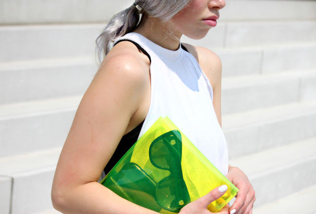 Translucent Clutches: Find Your New Favorite Accessory