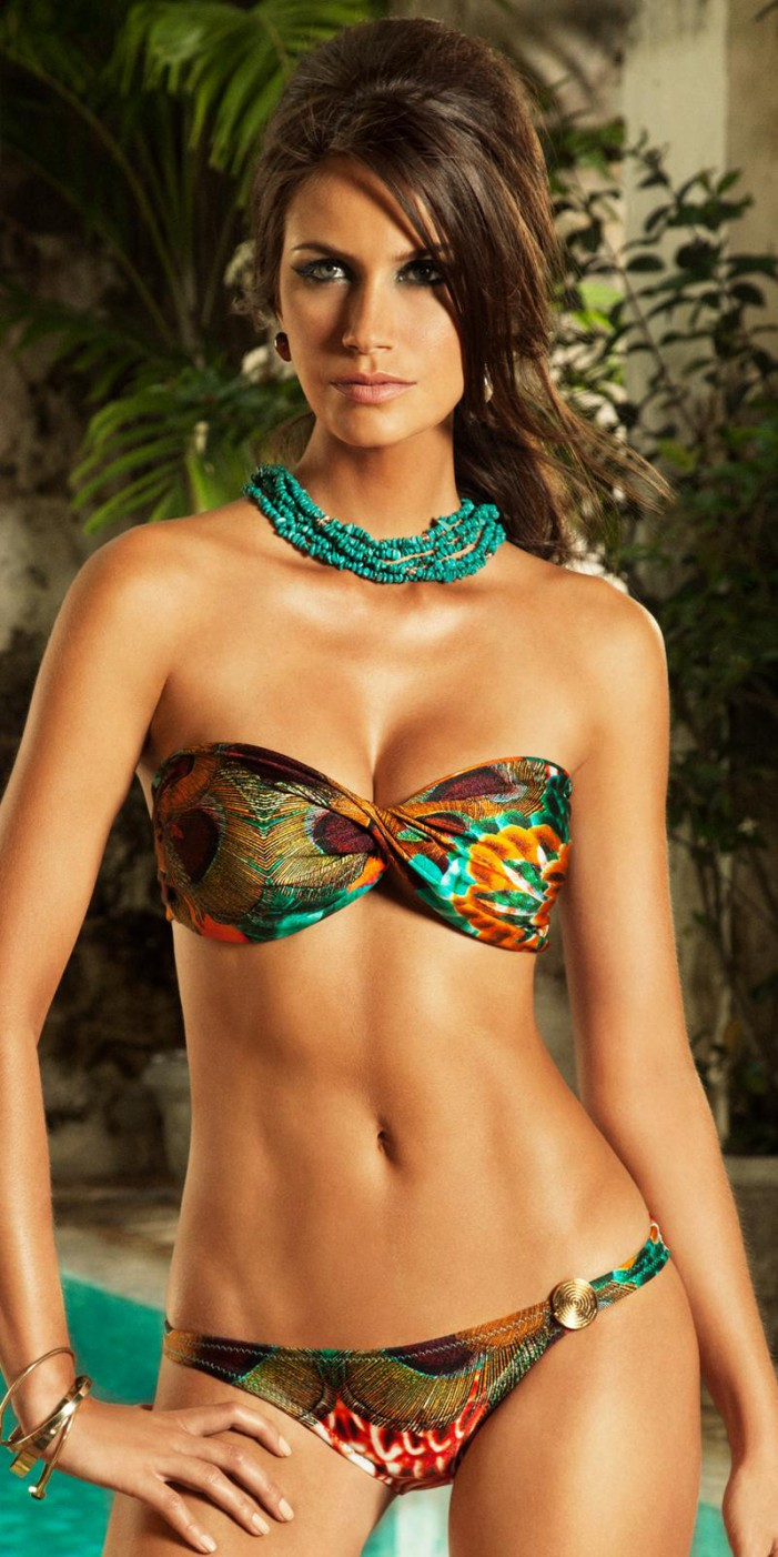 Bikinis and Swimsuits That Look Awesome On The Beach 2020