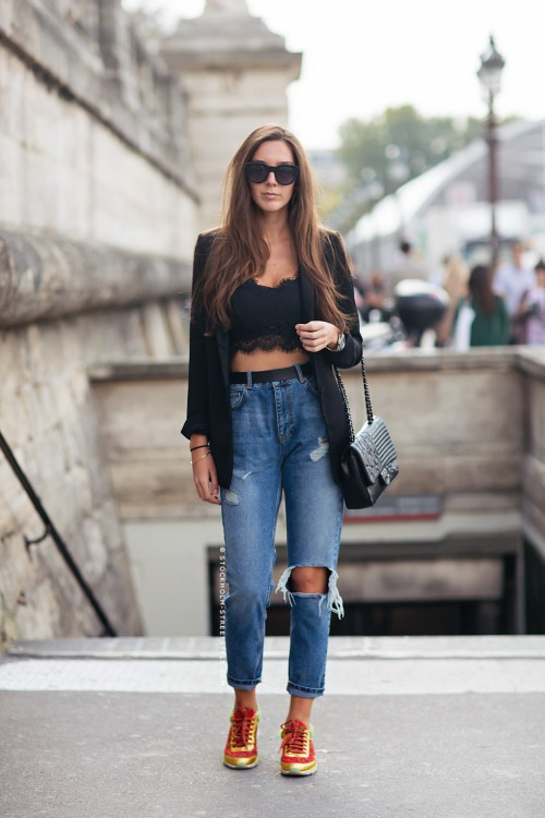 High-Waisted Jeans For Underlining Your Individuality