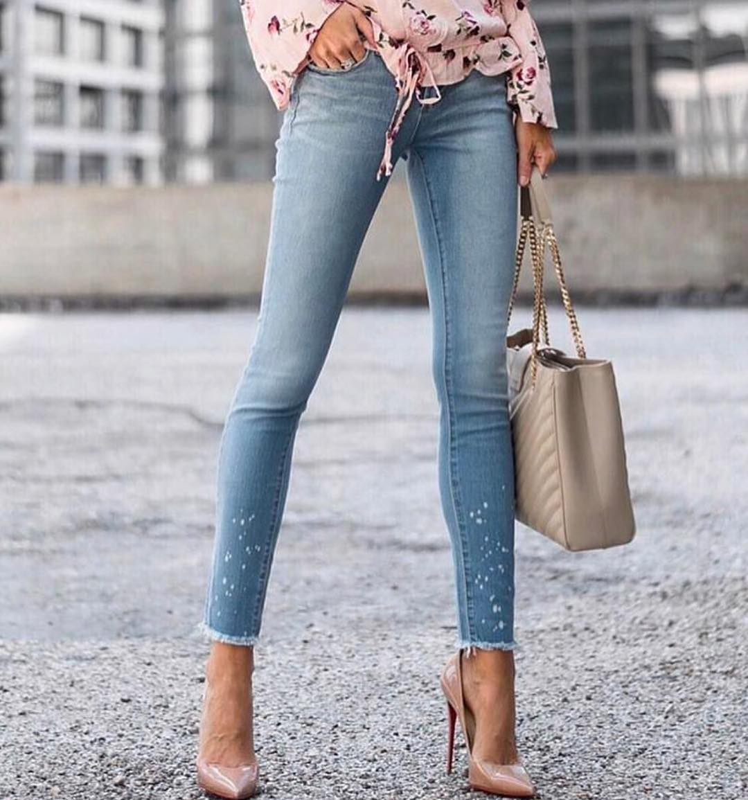 Can I Wear Skinny Wash Blue Jeans With Nude Heeled Pumps This Spring 2019