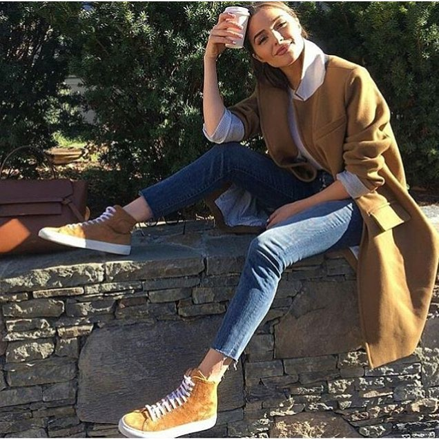 Oversized Camel Coat With Skinny Jeans And Suede Brown Trainers 2019