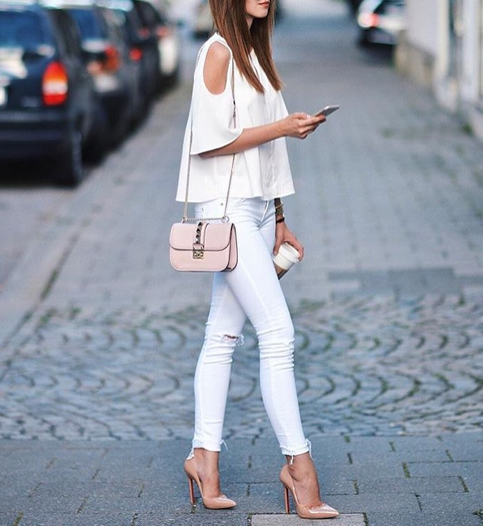 Cold Shoulder White Top With White Skinny Jeans: All White Outfit Idea 2021