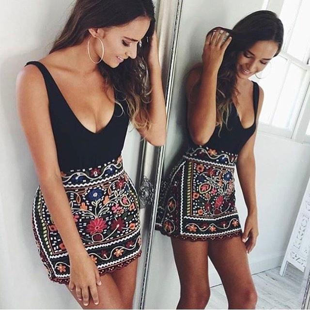 How To Wear Boho Floral Mini Skirt 2019