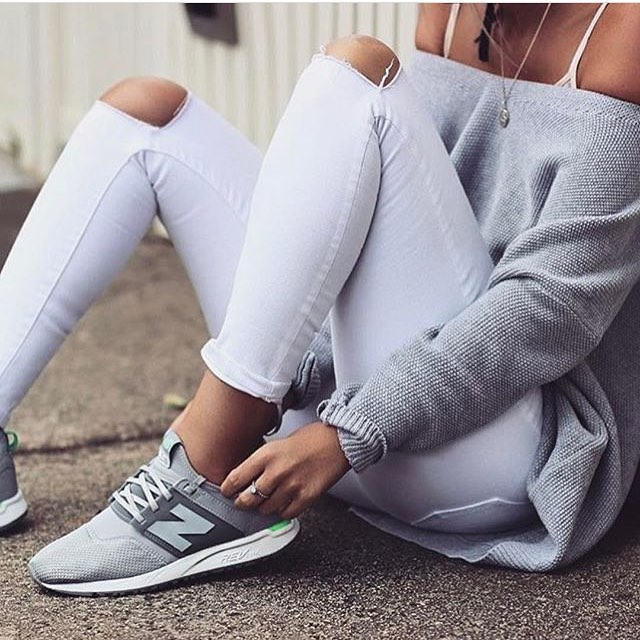 How To Wear White Skinny Jeans With Grey Sneakers 2019