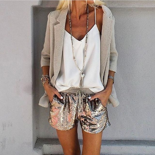 Can I Wear Cream White Blazer With Metallic Sequined Shorts 2019