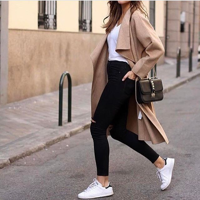 Can I Wear Camel Coat With Black Jeans And White Sneakers 2020