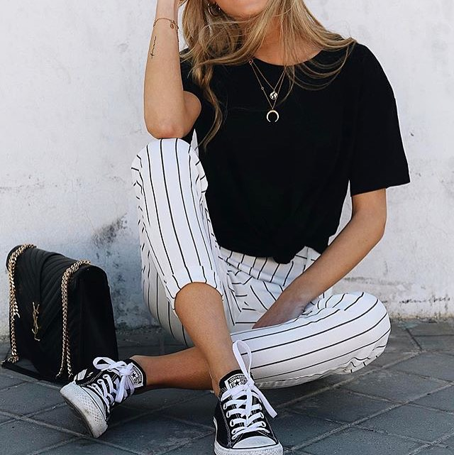 How To Wear White Pants With Vertical Black Stripes In Summer 2021