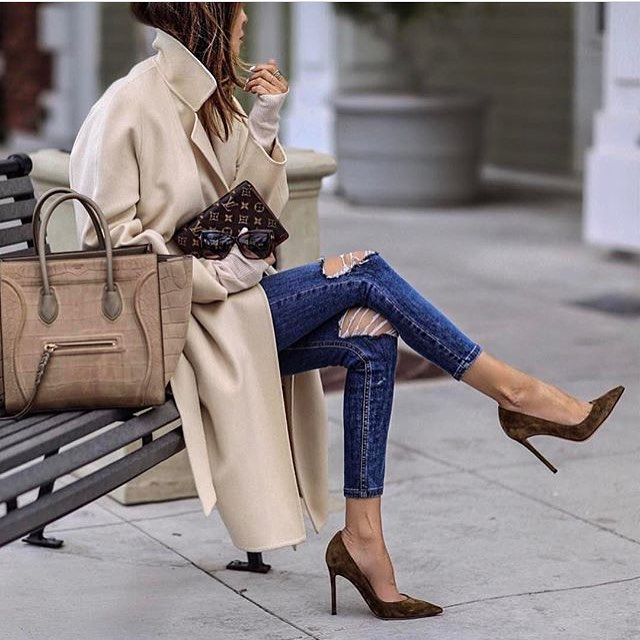 Oversized Coat In Cream Beige And Knee-Ripped Skinny Jeans 2020