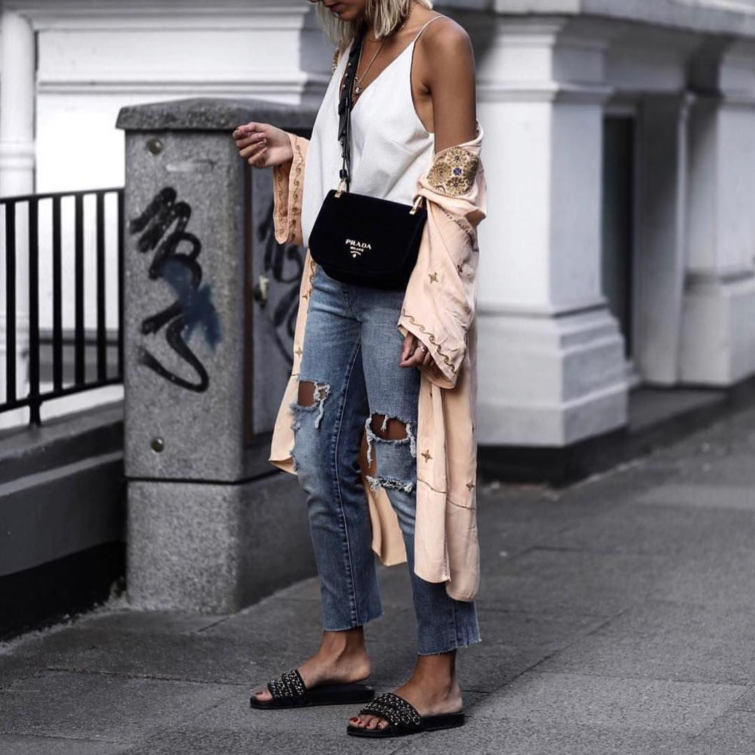 Blush Kimono With White Slip Tank Top And Ripped Jeans For Summer 2020