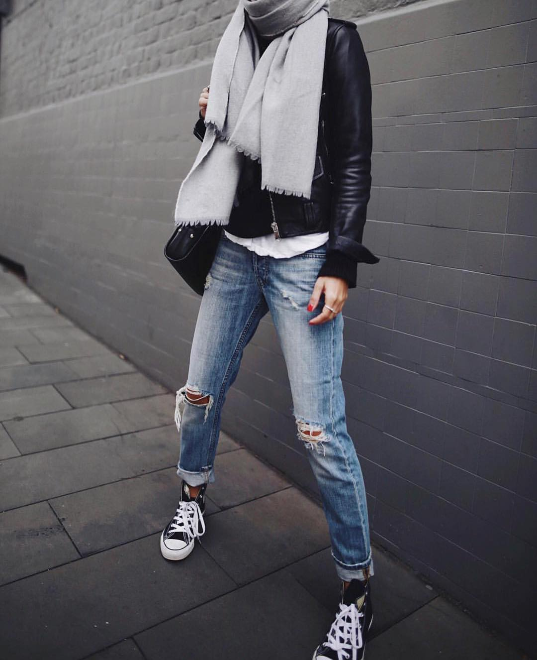How To Wear Oversized Grey Scarf With Black Leather Jacket And Ripped Slim Jeans 2021