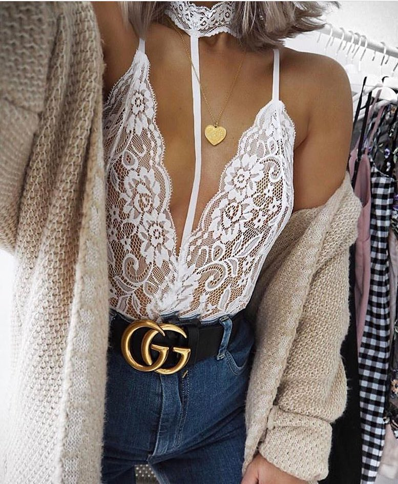 White Lace Bodysuit And Oversized Knitted Cardigan For Spring Days 2019