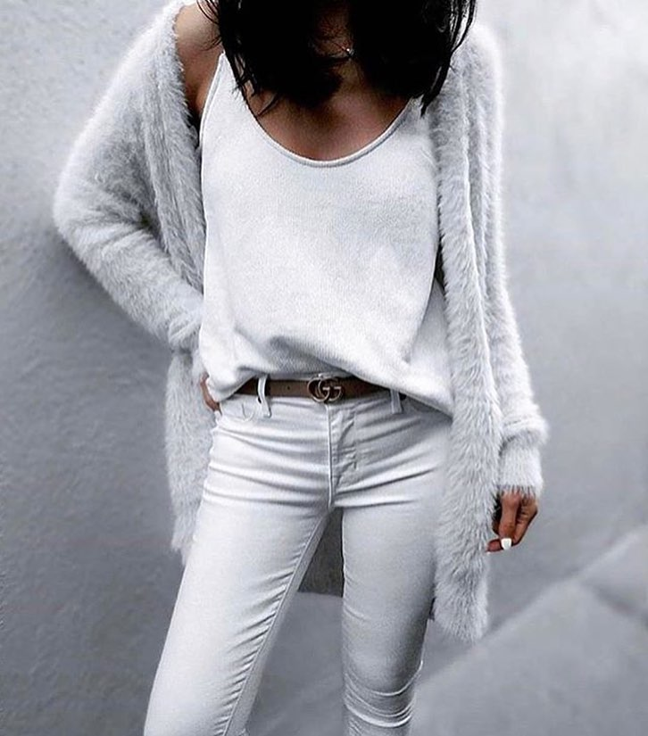White Cardigan With Sliptank And Skinny Jeans: All White Must Try 2021
