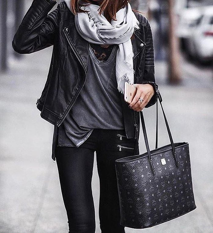 Black Leather Jacket And Black Leggings For Fall Street Walks 2019