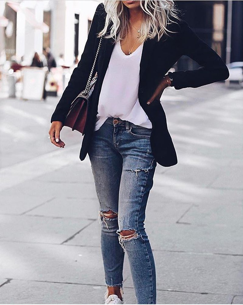 Black Blazer Looks Awesome With White Tee, Ripped Jeans And White Kicks 2019
