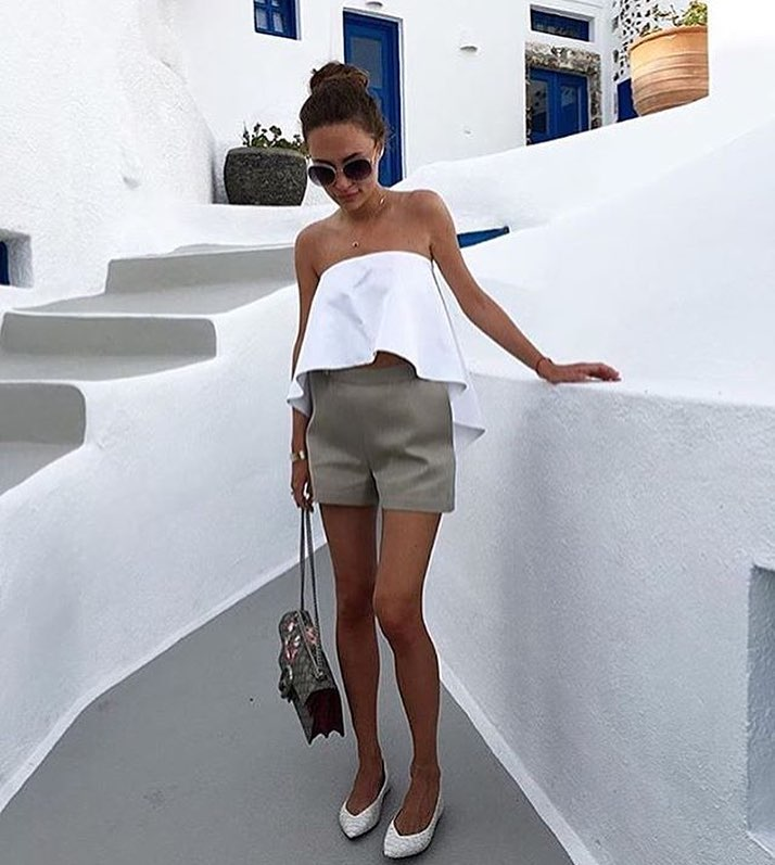 Strapless Flared Top In White With Cream-Grey Shorts And White Pumps 2019