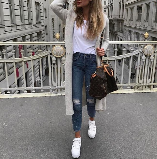 Cream Grey Coat And White Tee With Ripped Jeans For Spring Days 2020