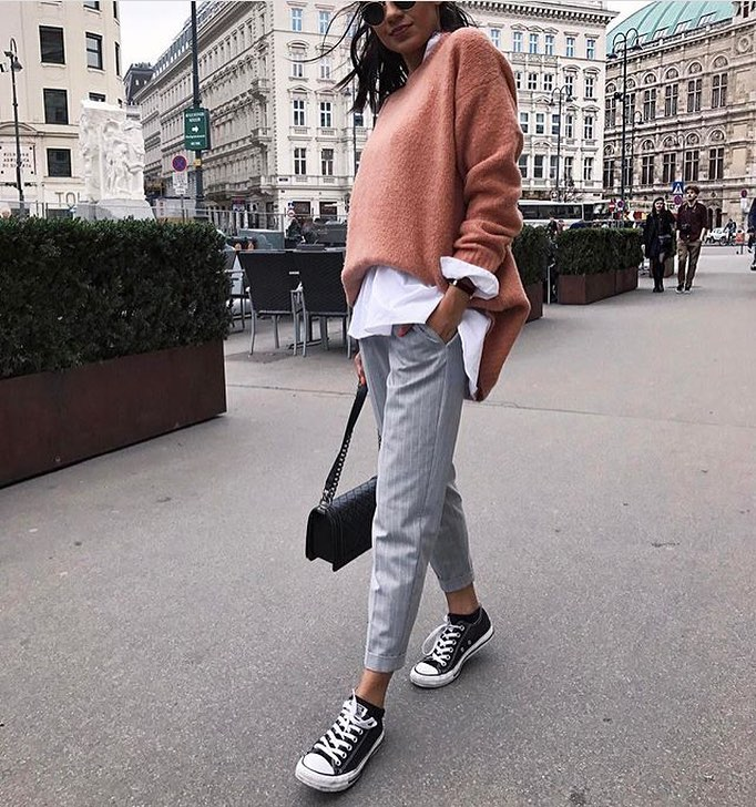 Oversized Blush Sweater Over White Shirt Teamed With Light Grey Pants 2019