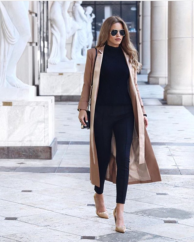 All Black Look With Maxi Coat In Camel For Office Days 2021