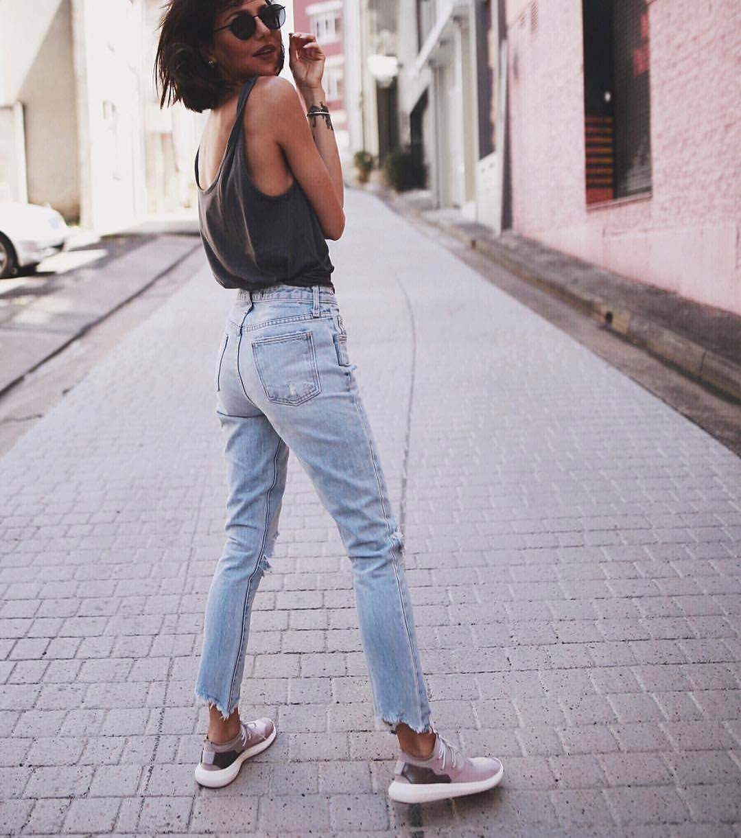 Muscle Tank Top And Wash Blue Frayed Jeans: Basic Summer Must-Haves 2020