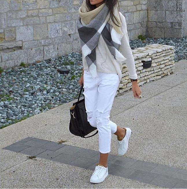 How To Wear Oversized Scarf In Plaid With White Combo 2019
