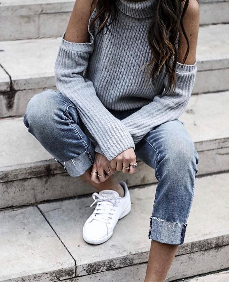 Cold Shoulder Turtleneck Sweater In Grey And Cuffed Jeans With White Kicks 2020