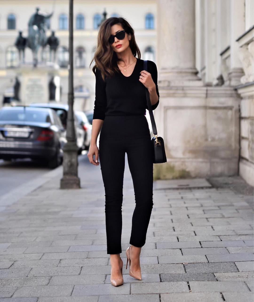 All Black Outfit Idea For Work: Sweater And Pants 2020