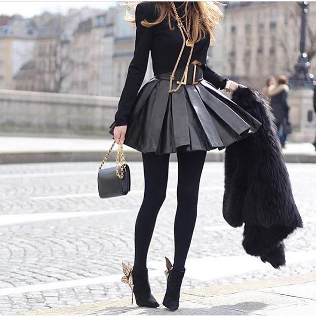 All In Black OOTD: Long Sleeve Top, Pleated Leather Skirt And Tights 2020
