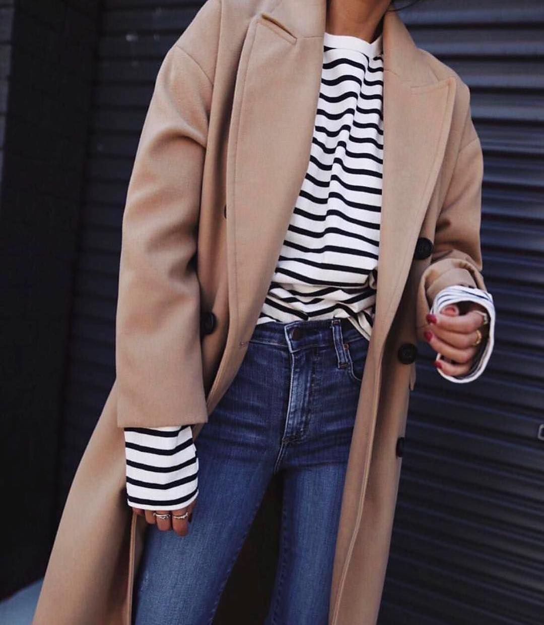 Oversized Camel Coat And Black-White Striped Top For Autumn 2020