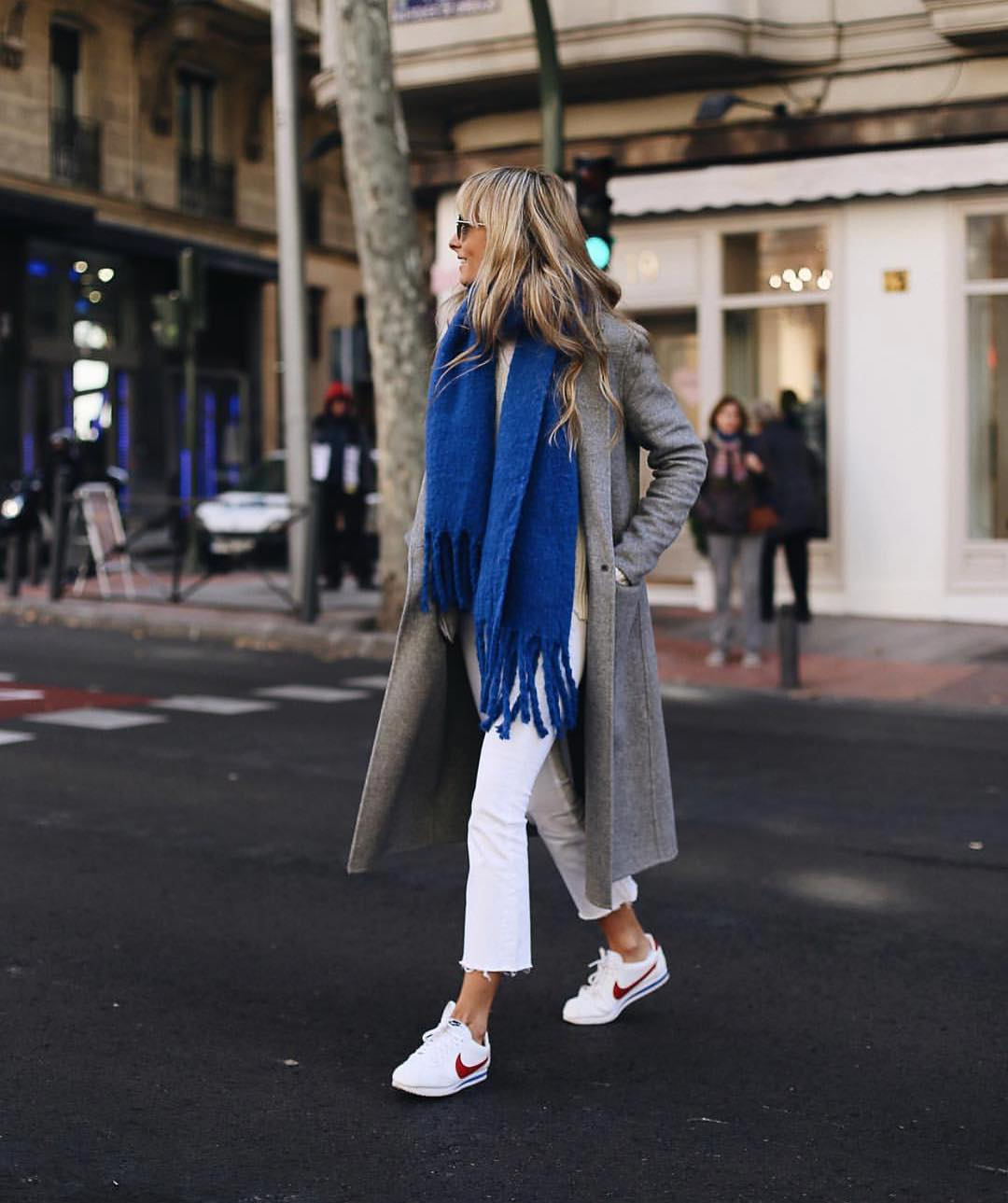 Can i Wear Blue Scarf With Grey Coat This Fall 2019