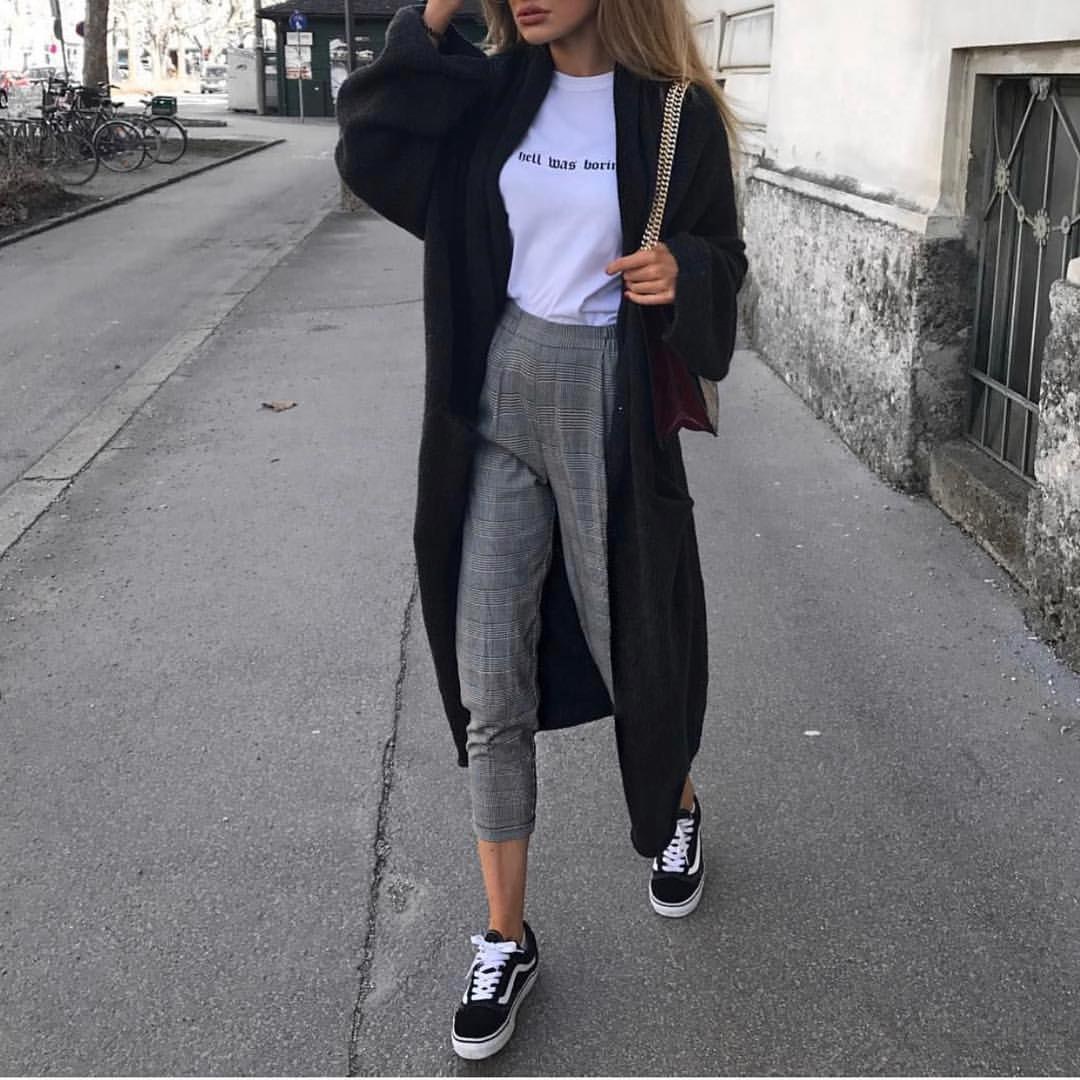Oversized Maxi Cardigan In Black And Grey Tailored Pants For Fall 2019