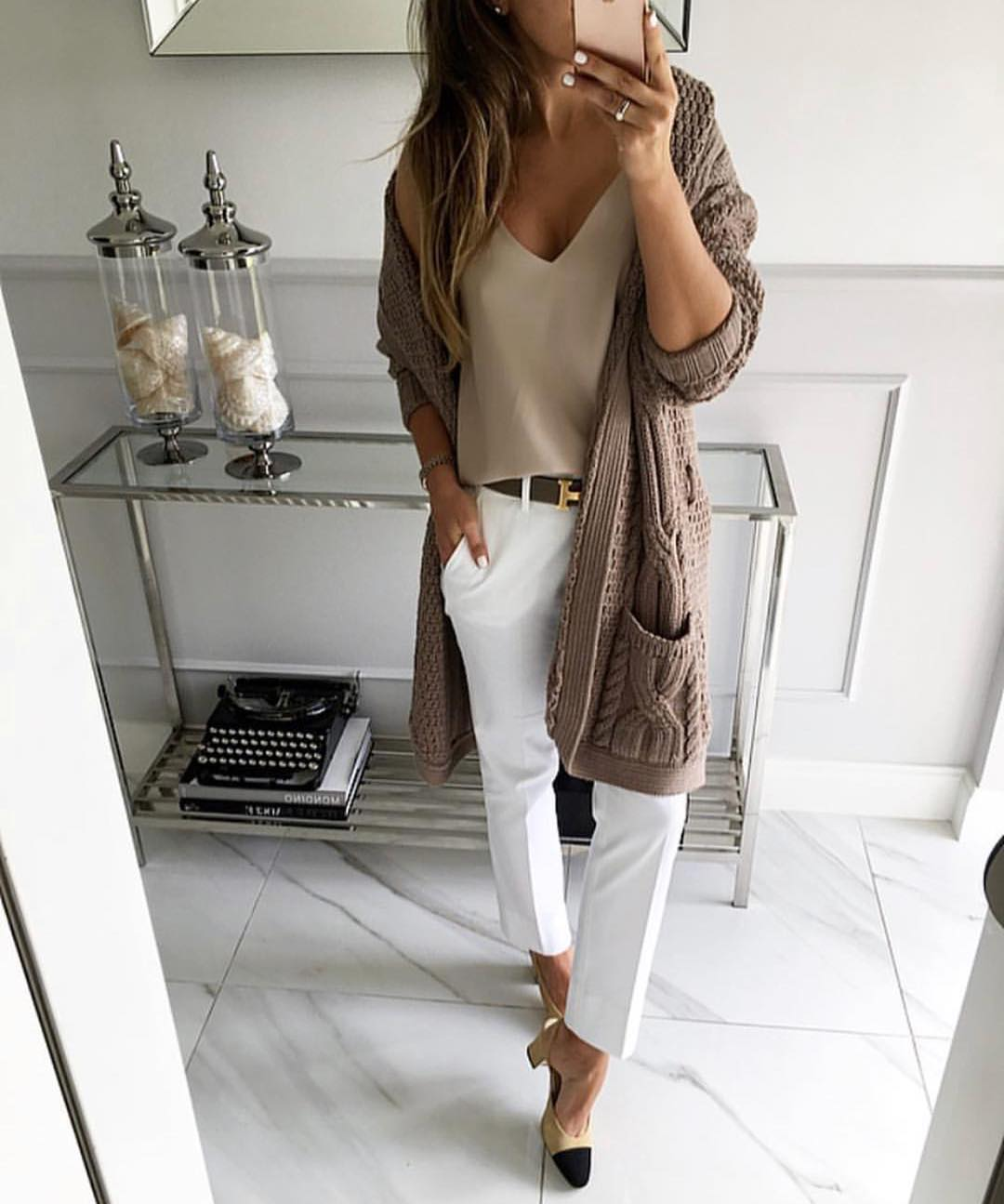 Long Beige Cardigan And Tailored White Pants For Fall 2019