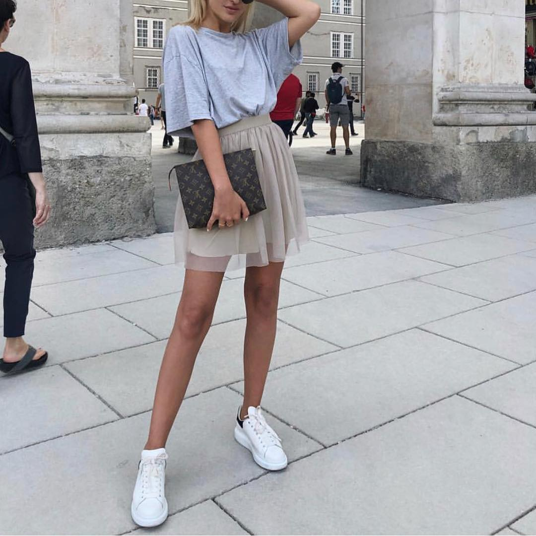 Oversized T-Shirt And Light Grey Mini Tulle Skirt For Day Offs 2020