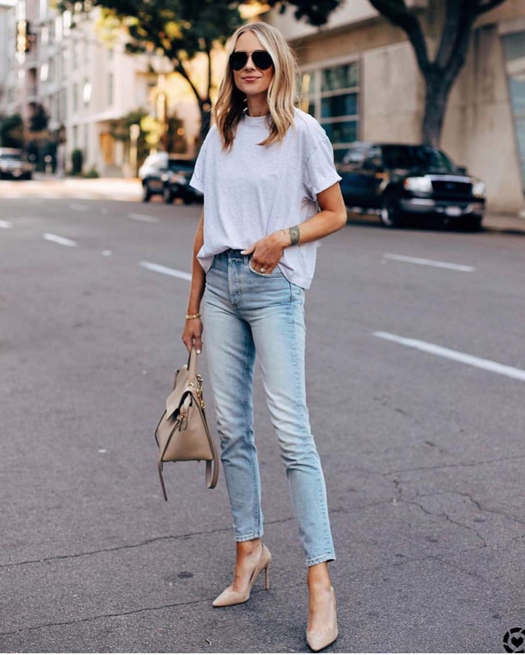 How To Wear Basic Top And Jeans This Summer 2019